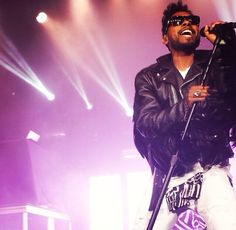 Miguel performing at the Levi's pre-Grammy event