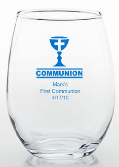 Blue and silver Communion ideas for boys are in great supply within this post filled with lots of great photos. Boy Communion Cake, First Communion Favors, First Holy Communion, Wine Glass Favors, Communion Decorations, Wine Glass Designs, Personalized Wine Glasses, Mint Tins, Party Favors