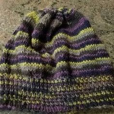 Sherry Osborne a ajouté une photo de son achat Cable Knit Socks, Knitting Socks, Knitted Hats, Moss Stitch, Seed Stitch, Needle Gauge, Fingering Yarn, Fingerless Mitts, Knit In The Round