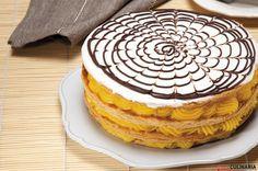 Receita de Mil folhas de creme pasteleiro. Descubra como cozinhar Mil folhas de creme pasteleiro de maneira prática e deliciosa com a Teleculinária!