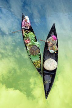 Les marchés flottant du Delta du Mékong                              …