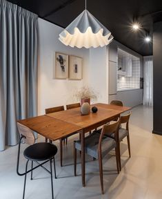 This project from one of our favorite Romanian designers, Bogdan Ciocodeica, presents us with the typical for his creations modern Scandinavian stylistic, Round Dining Table Sets, Dining Area, Dining Room, Black Coffee Tables, Living Room Arrangements, Kitchen Corner, Ceiling Design, Furniture Design, Mai