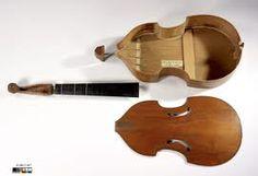 La basse de viole Collichon 1683, à la Cité de la Musique Paris.