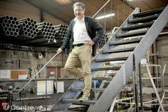 Pascal Godineau, ancien dessinateur industriel, a créé seul son entreprise ESCALIERS DÉCORS, voici plus 35 ans. - Article Yonne Républicaine de SALESSE Florian