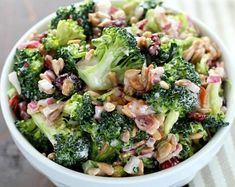 Easy Broccoli Salad with Bacon - Keto and Low Carb Looking for a great dish to take to your next barbecue or potluck lunch? This broccoli salad is so easy to make, is packed with flavor, no one will ever know it's low carb! Green Salad Recipes, Fruit Recipes, Pasta Recipes, Cooking Recipes, Healthy Recipes, Keto Recipes, Lunch Recipes, Healthy Food, Salads Without Lettuce