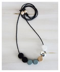 Hand Painted Wooden Necklace/modernnecklace/bohonecklace/modernboho/woodnecklace/giftideas/trendingjewellery/minimalistnecklace/silverbead