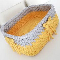 Wicker and crochet basket making Crochet Bowl, Crochet Shell Stitch, Crochet Diy, Single Crochet Stitch, Hand Crochet, Crochet Stitches, Crochet Motif Patterns, Crochet Basket Pattern, Crochet Baby Booties Tutorial