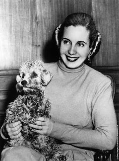 Eva Perón: The Most Powerful Lady of all Times in Argentina – Vintage Photos of Young Evita before Becoming First Lady ~ vintage everyday Cult Of Personality, First Ladies, History Photos, High Society, Famous Faces, Fashion Photo, Vintage Photos, Style Icons, Poodle