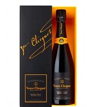 """Veuve Clicquot recently unveiled Extra Brut Extra Old champagne. This happens to be the brand's novel low-dosage cuvée and an … Continue reading """"Veuve Clicquot introduces Extra Brut Extra Old Champagne"""" Luxury Food, Veuve Clicquot, Bottle Sizes, Vintage Bottles, Sparkling Wine, Wine And Spirits, Pinot Noir, Harrods, Wine Recipes"""