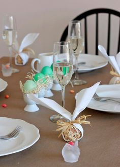 An Elegant & Ombre Easter Brunch