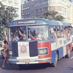 A Dutra ficou alvinegra em 1976. Invasão corintiana no Maracanã.
