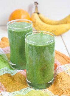 Spinach Orange Smoothie_ via The Wannabe Chef -- spinach smoothies are like my new breakfast obsession (not that i really eat breakfast that much but whatever)