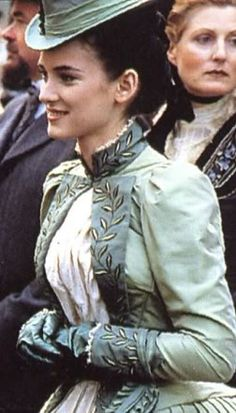 Gorgeous vine leaf patterned green decorated victorian costume (Mina Harker from Bram Stoker's Dracula)