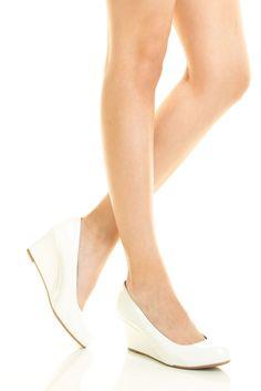 Women Slip On Med Low Wedge Heel Patent Leather Closed Toe White Pump Shoe Sz8.5 #Forever #PlatformsWedges #BridalorWedding