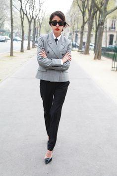 Masculine meets feminine: A tailored look.