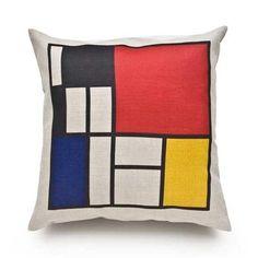 Le code graphique de Mondrian habille le textile, avec ce coussin de Marriane Diemer, pour le Site des Créateurs. En lin, il apporte une touche d'agrément à un canapé ou un lit, dans la gaieté et le raffinement.