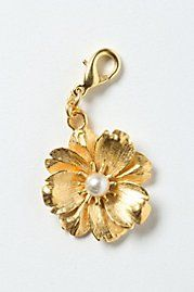 Gilt Daisy Collector's Charm