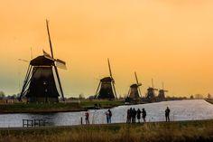 I 19 pittoreschi e caratteristici mulini di Kinderdijk appartengono al patrimonio mondiale dell'UNESCO. Vieni a visitare la regione con una bella passeggiata, con la bicicletta oppure esplorando l'area con il ferry. Area picnic.