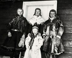 Saami people from Kautokeino, Norway,  i 1925. Inger Maria Eira nr. 1.  Nord Troms Museum, Norge
