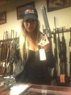 Paige Wyatt Paige Wyatt, 2 Girl, My Style, Guns, Women, Club, Fashion, Weapons Guns, Moda