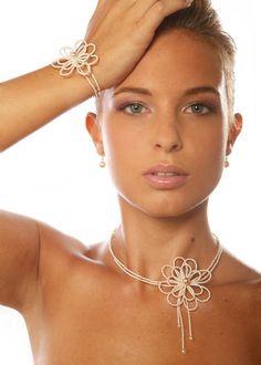 Camellia Wedding Jewelry - Princess of a Day - Tatting Necklace, Tatting Jewelry, Lace Necklace, Lace Jewelry, Bead Jewellery, Jewelry Crafts, Jewelery, Bridal Backdrop Necklace, Bridal Necklace