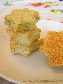 Essa deliciosa receita de biscoito salgado de queijo parmesão e semente de papoula é excelente para um aperitivo!