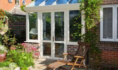 https://alitex.co.uk/sites/default/files/styles/juicebox_large/public/Gallery/This-conservatory-uses-the-redundant-passageway-down-the-side-of-this-house_0.jpg?itok=ySqKjSkH