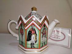 Sandler tea pot the Duke of Wellington battle of Waterloo, collectable Sadler teapot, display item. by TheLemonDog on Etsy Bataille De Waterloo, China Teapot, Battle Of Waterloo, Birthday Cake With Candles, Plate Display, Stamp, Vintage Perfume Bottles, Glass Collection, Leaf Design
