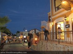 The Old Town Gallery is in Downtown San José del Cabo, you can walk around and enjoy this mexican place.