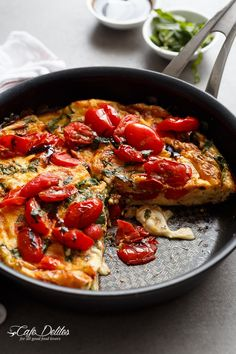 Garlic infused, Caprese Frittata with pan fried, juicy tomato and fresh basil flavors. Breakfast, brunch, lunch or dinner! Easy to make and… Healthy Cooking, Healthy Eating, Cooking Recipes, Healthy Recipes, Tasty Meals, Healthy Foods, Keto Recipes, Brunch Recipes, Breakfast Recipes