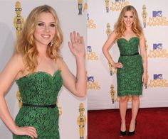 Scarlett Johansson in an emerald strapless lace dress by Dolce & Gabanna