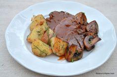 friptura de vita cu cartofi noi cu marar si unt si sos Romanian Food, Carne, Food And Drink, Beef, Chicken, Ethnic Recipes, Unt, Blue Prints, Pork