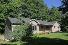 Custom Built Ranch Home on 2.34 Private Wooded Acres | GRpulse.com