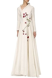 Samant Chauhan presents Off white embroidered gown available only at Pernia's Pop Up Shop. Indian Gowns, Indian Outfits, Kurta Patterns, Anarkali Dress, Western Dresses, Indian Designer Wear, Cotton Dresses, Pretty Dresses, Blouse Designs