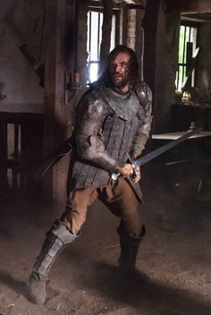 The Hound in a fight at the tavern, Game of Thrones - Season 4 Episode 1