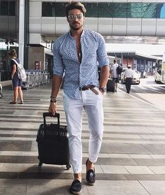 35 Most Popular Mens Summer Fashion 2018 - Man Mens Fashion 2018, Suit Fashion, Fashion Trends, Fashion Ideas, Men Summer Fashion, Fashion Styles, Fashion Menswear, Fashion Mode, Fashion Clothes For Men