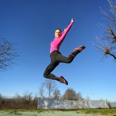 First winter day and this morning I was doing some #fitness exercises in the garden! Mad weather for sure... but I loved the sun!  . #ladiesfirst #fit #girlpower #sixs #jump #gym #outdoorlife #outdoorisfree #follow4follow #like4like #girl #pink #me #body #running #leggings