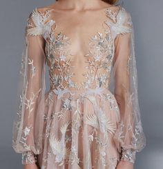 The Paolo Sebastian Spring/Summer Couture is as glorious as they come. Fall in love with aisle perfect gowns by this austrialian design house. Pretty Dresses, Beautiful Dresses, Fashion Designer Game, Designer Clothing, Style Haute Couture, Couture 2015, Illustration Mode, Prom Dresses, Formal Dresses