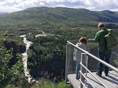Een rondreis Noorwegen met kinderen? Ontdek nu de hoogtepunten van rondreis Grethe van Buro Scanbrit. Volop ervaringen en tips voor een rondreis voor gezin.