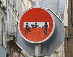 Top 20 des détournements de panneaux, le vandalisme informatif