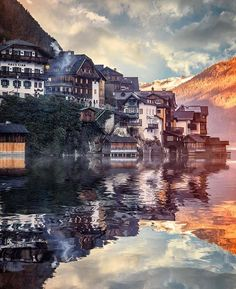 Follow @travellersmagazine for more! Hallstatt, Austria. Photo by @_enk
