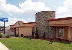 Days Inn Springfield,Pennsylvania (PA) is near philadelphia airport,Citizen Bank   Park,Philadelphia Zoo,Springfield Convention Center.Days Inn Springfield is one of   the best hotels in Springfield.Please visit-  www.daysinnspringfieldpa.com/