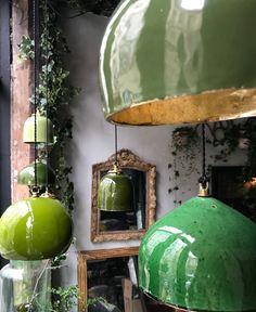 """Lampe toque, les """"Suspentes Keaton"""" by Béatrice Markovitch. Lustre Vintage, Vintage Lamps, Deco Luminaire, Ceramic Light, Ceramic Lamps, Ceramic Texture, Ceramic Pottery, Interior Decorating, Interior Design"""