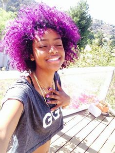 Big Afro hairstyles are basically the bigger and greater version of the Afro hairstyles. Afro which is sometimes shortened as 'FRO, is a hairstyle worn naturally outward by The African American black people. My Hairstyle, Afro Hairstyles, Pretty Hairstyles, Teenage Hairstyles, Hairstyles Videos, Headband Hairstyles, Purple Natural Hair, Pelo Natural, Lavender Hair