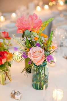 #mason-jars, #centerpiece, #rose    Photography: Wren & Field Photography - wrenandfield.com  Floral Design: Falls Flowers - fallsflowers.com    Read More: http://www.stylemepretty.com/2013/07/22/philadelphia-wedding-from-wren-field-photography/