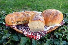 Paine pufoasa de casa - cu lapte Sweet Bread, Hot Dog Buns, Bagel, Graham, Recipes, Pretzels, Healthy Food, Cooking Recipes, Bread