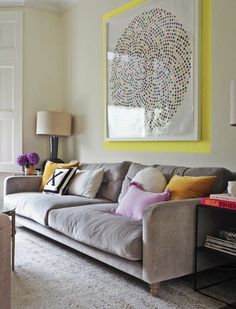 Give Your Artwork the Eyeliner Treatment With This Simple Painting Hack Living Room Sofa, Living Room Decor, Sofa In Bedroom, Living Rooms, Sofa Design, Interior Design, Luxury Interior, Modern Interior, Interior Styling