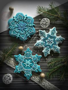 26 Beautiful Teal Christmas Decoration Ideas – Christmas Celebration – All about Christmas – The Best Christmas Cookies Cookies Cupcake, Fancy Cookies, Iced Cookies, Cute Cookies, Cookies Et Biscuits, Cookie Favors, Cookie Icing, Flower Cookies, Heart Cookies