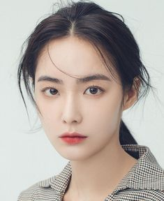 asian makeup – Hair and beauty tips, tricks and tutorials Asian Makeup Looks, Korean Makeup Look, Mode Ulzzang, Ulzzang Girl, Korean Beauty Girls, Asian Beauty, Beauty Make-up, Hair Beauty, Natural Makeup