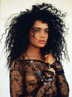 I should be so lucky as to look like Lisa Bonet-I love her style and her hair!